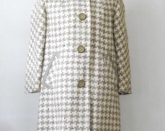 Vintage Ladies Houndstooth Coat • 1960's Gray and Ivory Coat