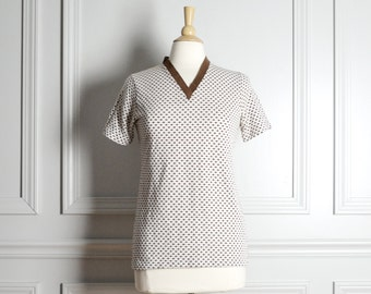 Top T Shirt / White Brown Polka Dot / Knit V Neck / Hipster Mod / 70s Vintage / Small S