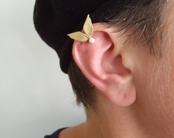 Gold Wings Ear Cuff with Pearl - ear cuff no piercing , ear cuff , gold ear cuff , wings ear cuff , wedding jewelry , fantasy jewelry