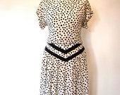 ON SALE Vintage 80s / Black and White / Polka Dot / SILK / Short Sleeve / Dress / Medium