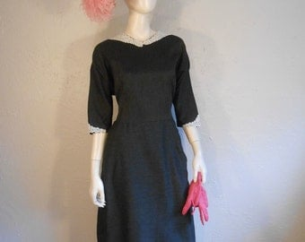 The Petite and Demur - Vintage 1950s Charcoal Grey Heavy Rayon  & Lace Collared Dress  - 14/16