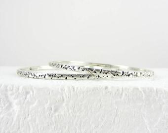 Vintage Silver Bangle Bracelets, Set of 2 Engraved Floral Design Stacking Bracelets, 18 cm / 7 inch Medium Wrist, 18 grams.