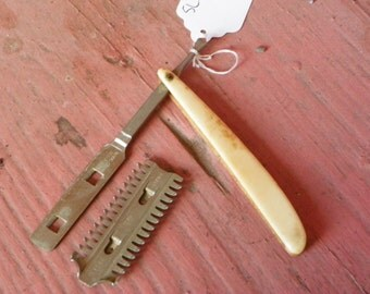 Vintage Urham Uplex Straight Razor Comb