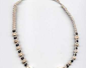 Hemp Necklace 3Shells