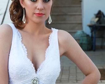 Gold Bridal Earrings Gold Wedding Earrings Dangle Teardrop Earrings Wedding Classic Jewelry Wedding Accessories