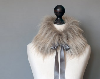 Faux fur collar in sand beige and light grey. Beige grey faux fur neck warmer. Womens faux fur collar with grey satin ribbon.
