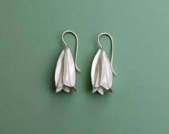 Earrings Lily Bloom Silver / Silver Earrings / Romantic Earrings / Bridal Jewelry / Elegant Silver Earrings / Calyxes / Botanical Jewelry