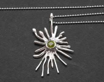 Sun Necklace 925 Silver Sun and Green Peridot Gemstone Pendant and Chain, August Peridot Birthstone Ladies Necklace, Trendy Peridot Jewelry