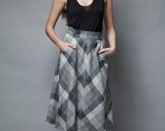 unworn preppy collegiate vintage 70s plaid wool skirt gray white a-line midi M MEDIUM