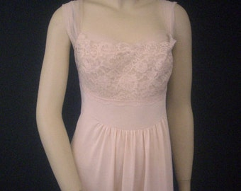 Vintage 1950's  Pink Lacy Long Nightgown Negligee Pinup Ladies Small