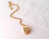 Lucky Clover Locket  / vintage golden four-leaf clover locket necklace