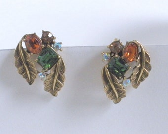 Free Shipping 1940s Coro Earrings Clip On