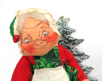 Large AnnaLee Mobiltee Mrs. Santa Claus Doll, Vintage 1970s, Holiday Decor, Red & Green, Bendable Doll