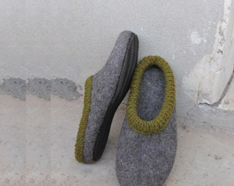 Felted slippers for man with rubber soles - mens house shoes - felted wool slippers, Father's day gift - Brown - Grey