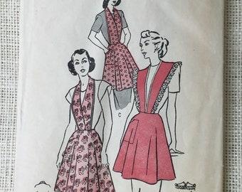 Vintage Pattern Butterick 4686 1940s apron bib bretelle Halter neckline war era pre post unprinted