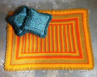 Vintage Handmade Throw Rug / Picnic Blanket