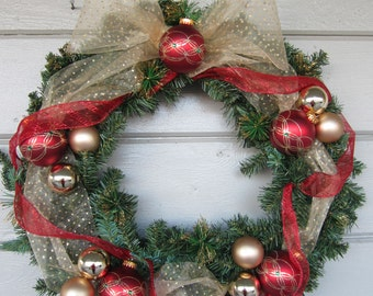 Christmas Wreath, Winter Wreath, Christmas Decorations, outdoor wreath, holiday wreath, Front Door Decor, Outdoor Christmas Decorations
