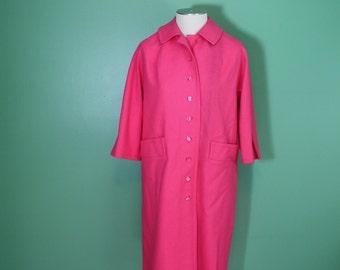 Vintage Pink Lightweight Wool Winter Coat Car Coat 60's 3/4 Length Sleeves Travelaire By Dumas Medium