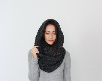 Super Chunky Infinity Scarf, loop scarf, circle scarf, cowl, snood // The Strasbourg - CHARCOAL