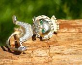 Lion Brooch, Brooch, Vintage Brooch, Emeralds, Kitty, pin, Animal Brooch, cat, Cat Brooch, rhinestone brooch