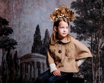 Girls Little Acorn Capelet //Handmade Woolen Cape //Warm Faux Fur Lined Cape with Acorn Embroidery