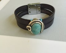 Unisex Silver and Turquoise Slide on Leather Bracelet