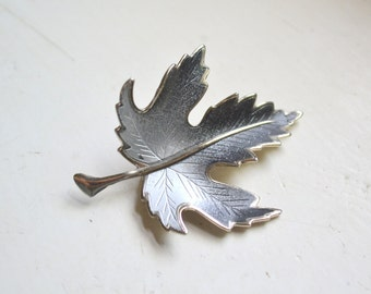 1970s Gray and Black Leaf Brooch