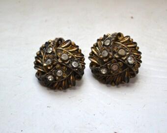 1950s Scrolly Leaf Rhinestone Clip Earrings