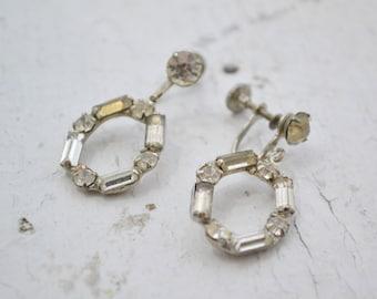 1950s Rhinestone Oval Dangle Screw Back Earrings