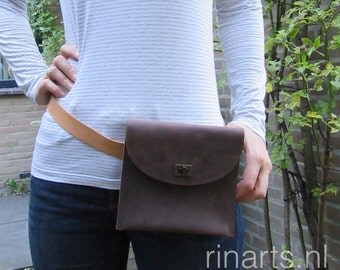 Leather fanny pack / belt bag / bum bag / waist bag / hip bag / cross body bag in dark brown waxed cow leather