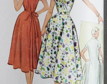 9261 UNCUT 1950's Women's Dress Sewing Pattern McCall's 9261 Bust 38