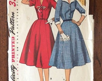 1427 Vintage Women's Dress Sewing Pattern Simplicity 1427 Bust 39