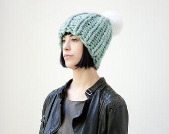The Mega Hat with vegan fur pompom (in Icebergs)