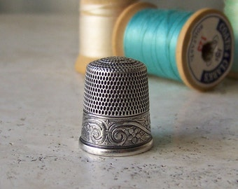 Vintage Sterling Silver Thimble Simon's Brothers Size 9 Quilting Sewing Thimble Sewing Room Thimble Collector Gift For Mother 1909