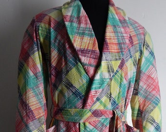 Mens Vintage 1940s Plaid Robe in Seersucker. Wide Shawl Collar. Small