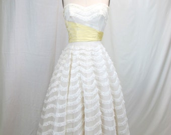 1950s White Strapless Prom Wedding Dress
