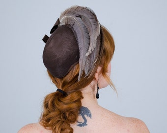 1940s vintage hat / feather hat / New York Creations