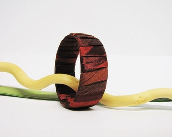 Burgundy bangle recycled with PET and satin fabric