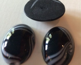 Art Nouveau Black White Swirls Cabochon Vintage Glass Oval 25x18mm QTY - 1