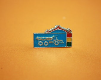 Cute Rare Badge - Vintage Pin - Car