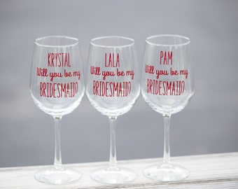 1 Will you be my Bridesmaid. Maid of Honor, Personalized Bridesmaid proposal Wine glasses. Will you be my Bridesmaid gift idea glassware.