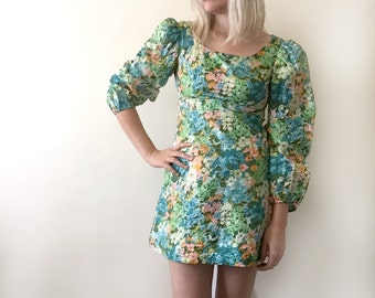 Vintage 1960s Floral Mini Dress size Small
