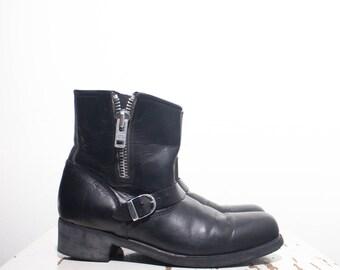 10 | Women's Short Moto Style Side Zip Boots in Black