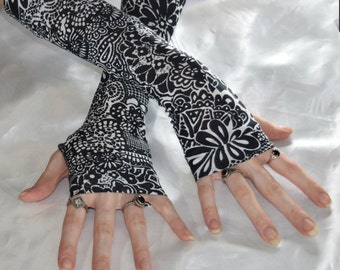 Black Arm warmers gothic gloves armwarmers fingerless gloves sleeves - Cindi - tribal belly dance goth gypsy boho bohemian mehndi lace look