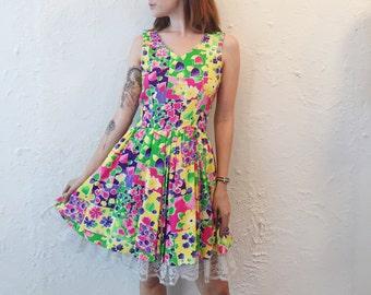 1980's Summer dress with a full skirt and lace