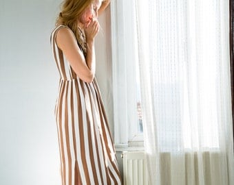 ON SALE >> Long Nightdress with Low-Cut Back >> Brown Striped