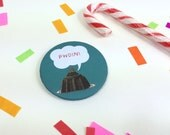 Badge Pwdin Welsh Christmas Pudding Bottle Green 58mm