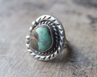 Turquoise Ring / Bohemian Jewelry / Sterling Silver Split Shank Ring / Size 6 1/2