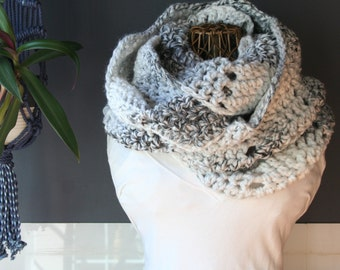 Crochet Infinity Scarf,Loop Scarf,Cowl Scarf,Knit Infinity Scarf,Chunky Knit,Oversized Scarf,Mens Scarf,Womens Scarves,Black,White