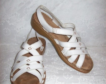 Vintage Ladies White Leather Strappy Sandals by Naturalizer Size 8 1/2 Only 6 USD